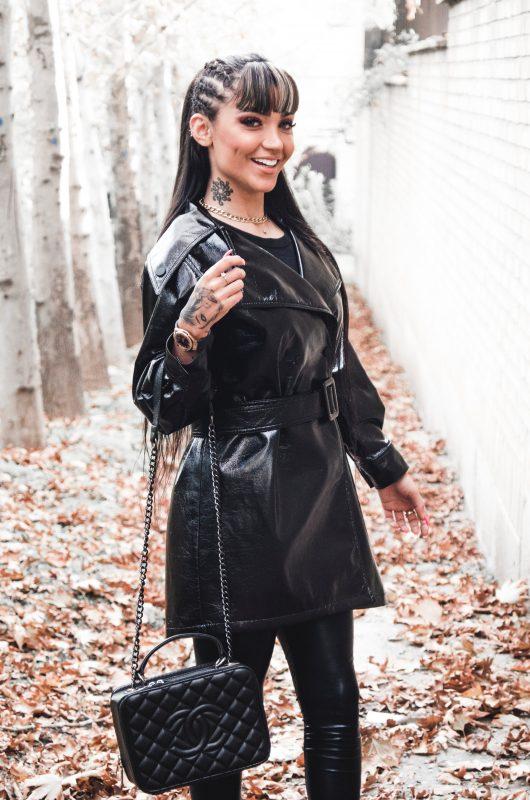 yo-style - fashion model in black leather coat